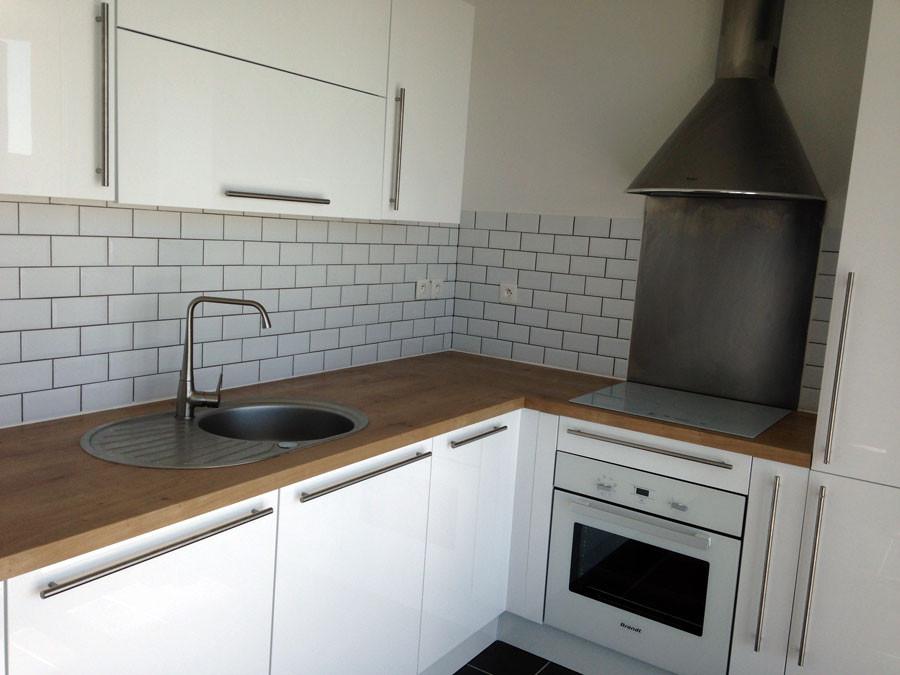 credence cuisine blanc brillant. Black Bedroom Furniture Sets. Home Design Ideas