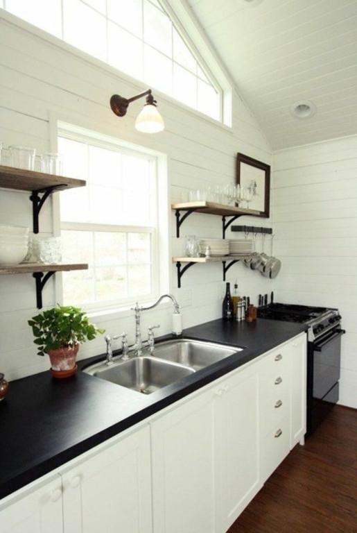 credence cuisine blanche et noire. Black Bedroom Furniture Sets. Home Design Ideas