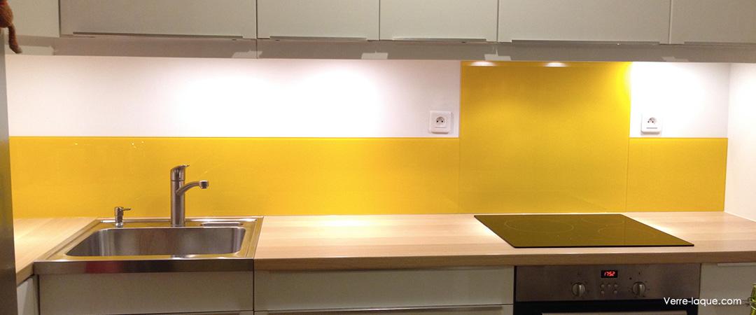 credence cuisine jaune et grise