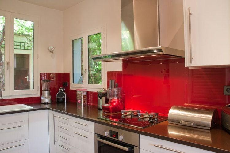 credence cuisine rouge et blanc