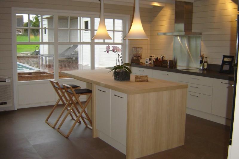 Ilot cuisine blanc et bois - Cuisine bois et blanc laque ...