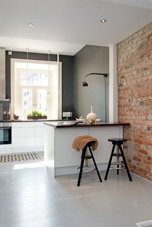 ilot cuisine colle au mur