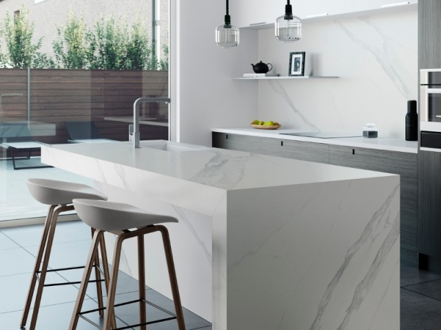 ilot cuisine marbre noir