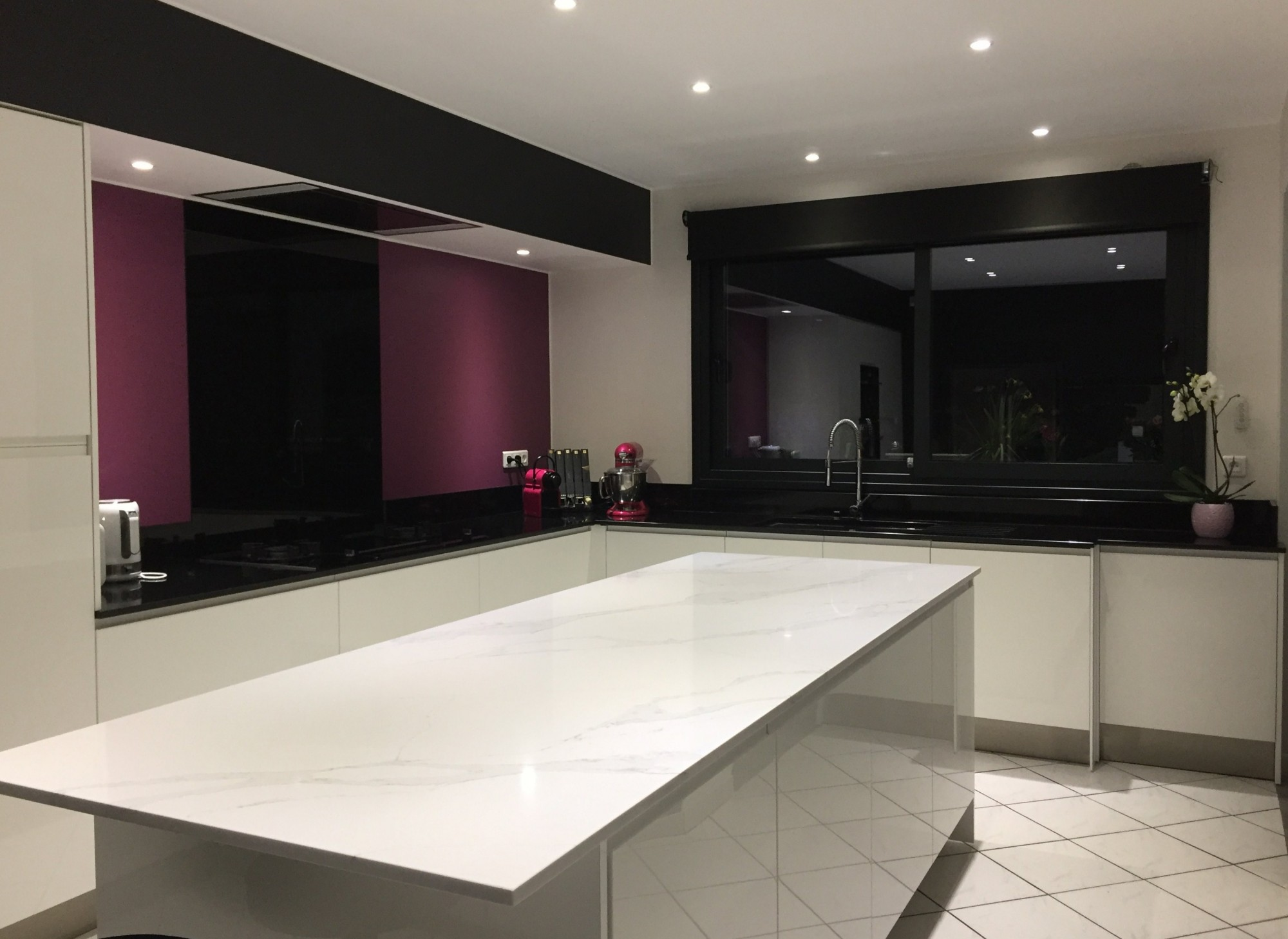 plan de travail cuisine laque blanc. Black Bedroom Furniture Sets. Home Design Ideas