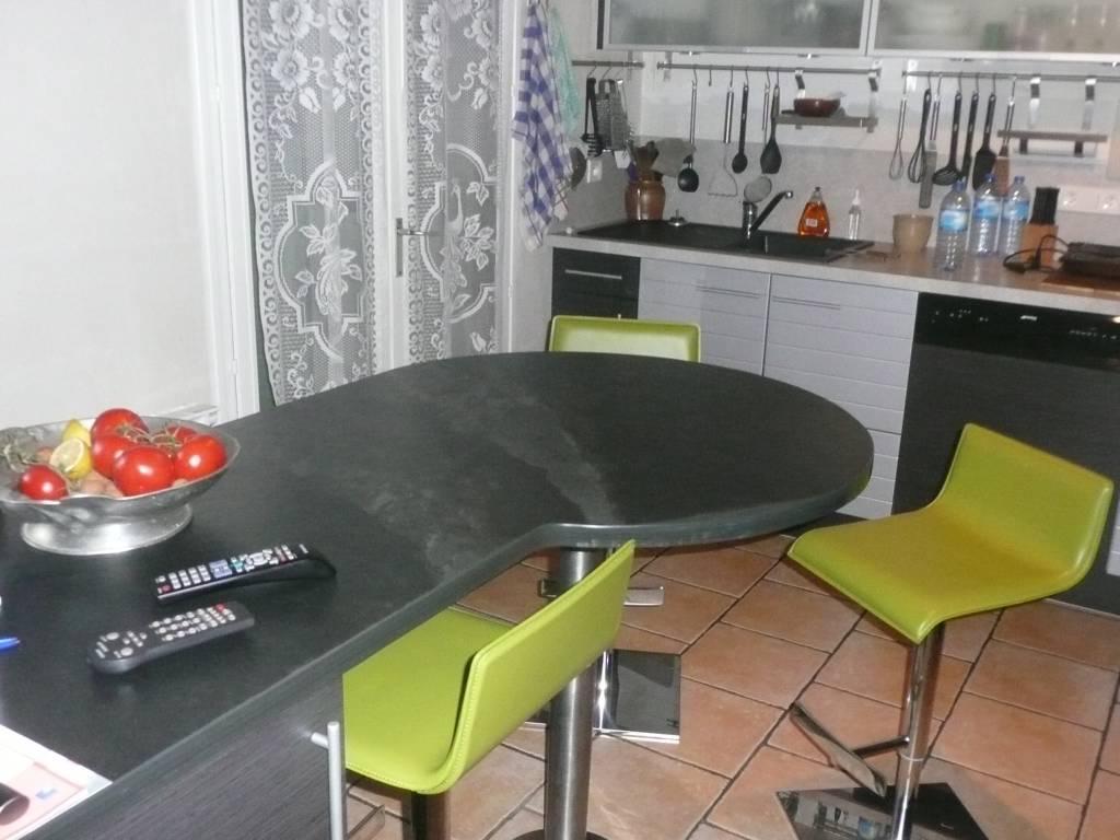 plan de travail cuisine sur mesure pas cher. Black Bedroom Furniture Sets. Home Design Ideas