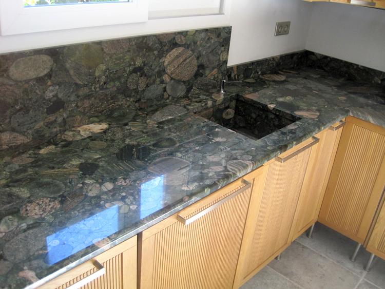 plan de travail cuisine vert marbre
