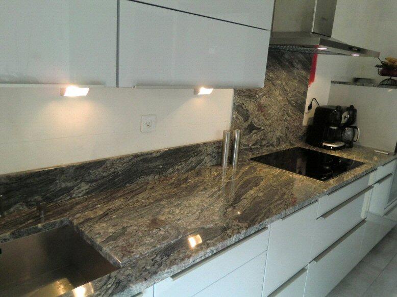 credence cuisine granit