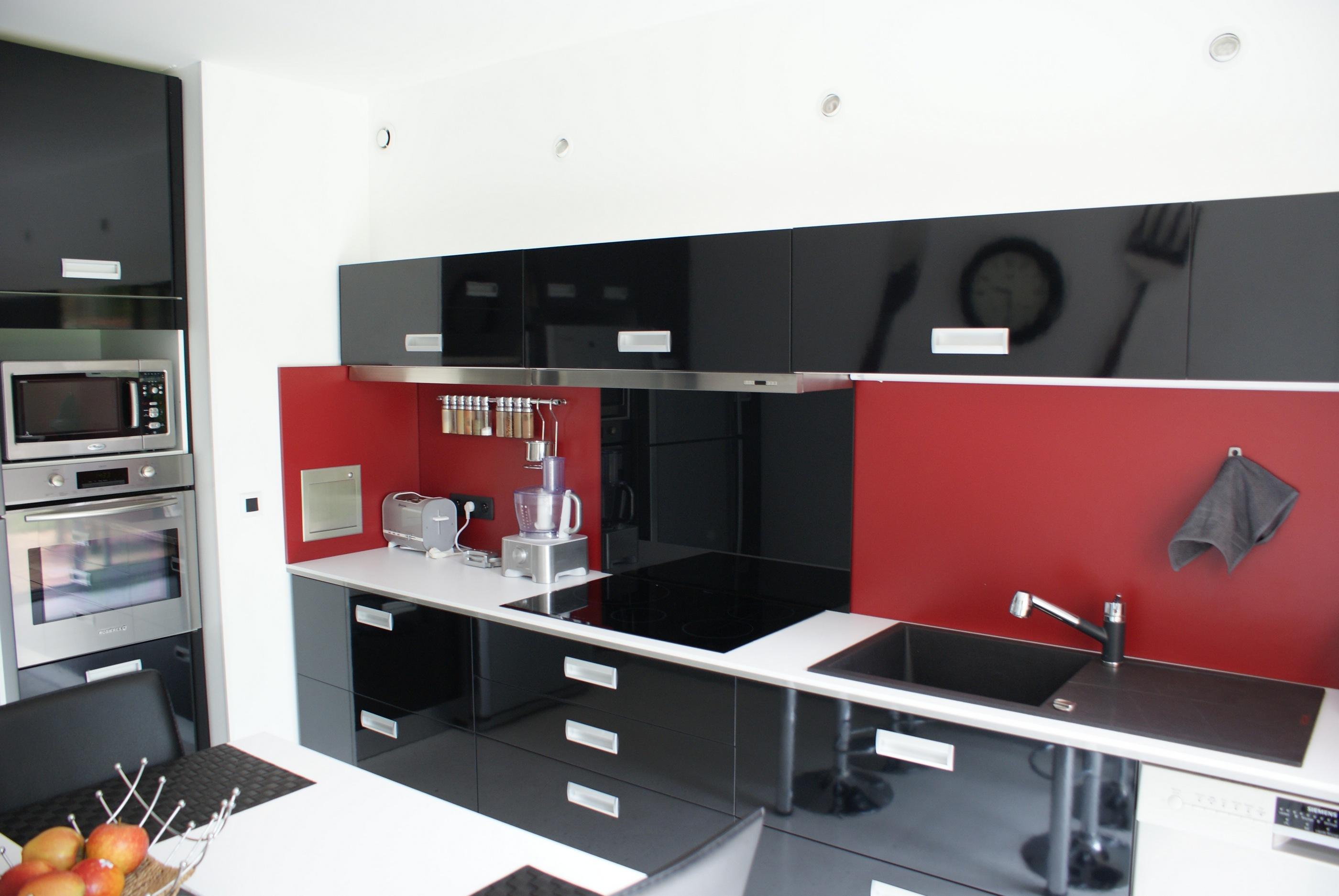 credence cuisine rouge et noire
