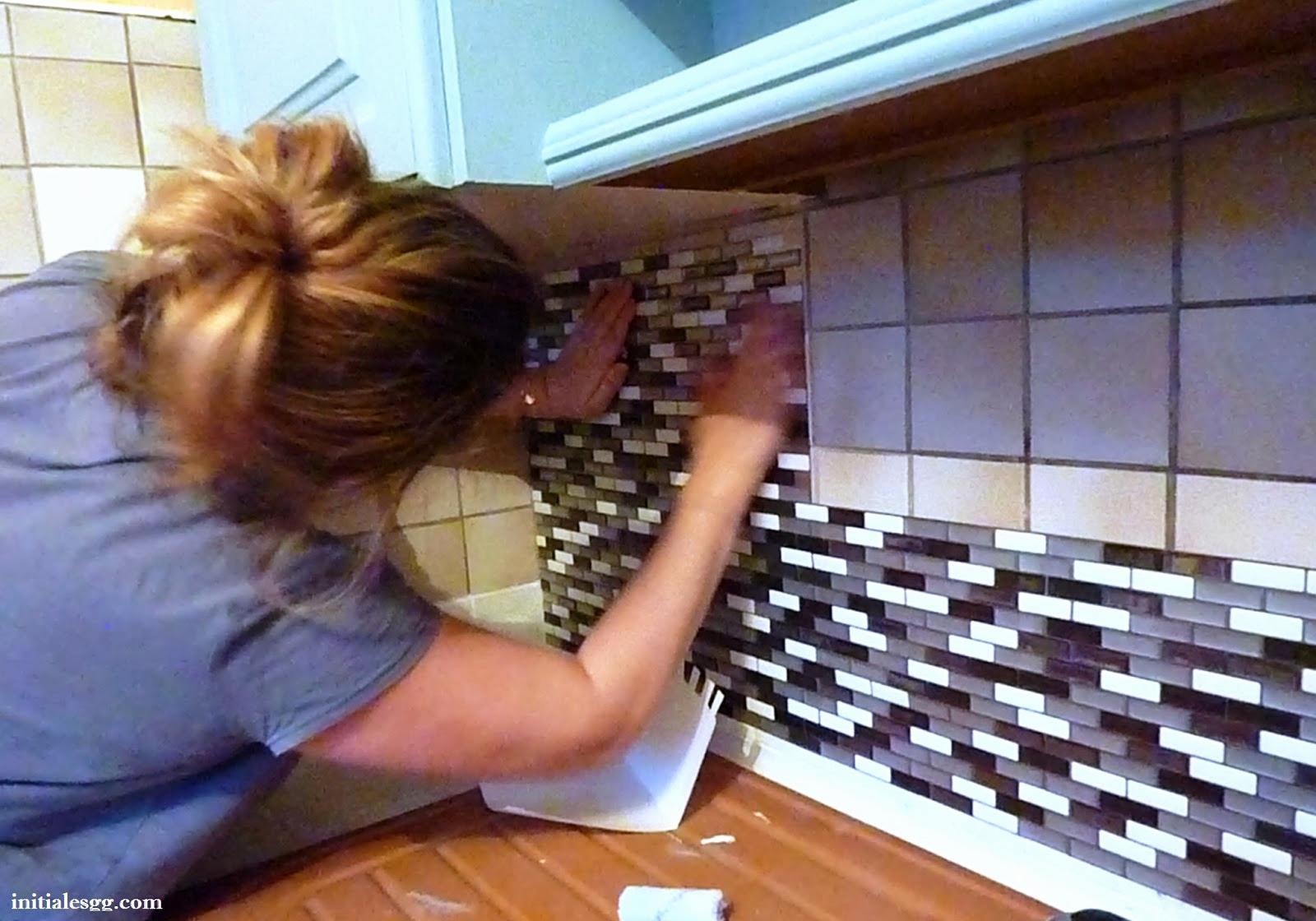 plan de travail cuisine adhesif
